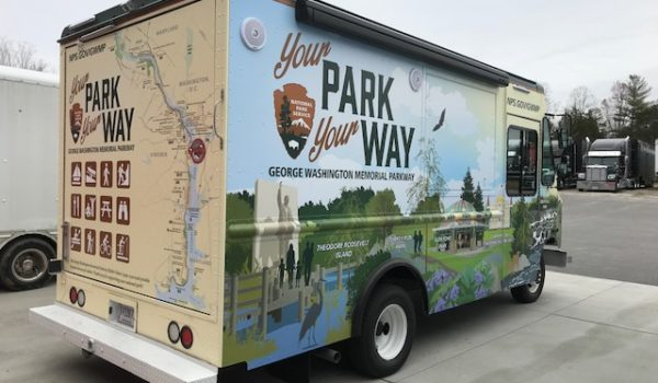 The vehicle's exterior features interactive exhibits about the landmarks along the George Washington Memorial Parkway