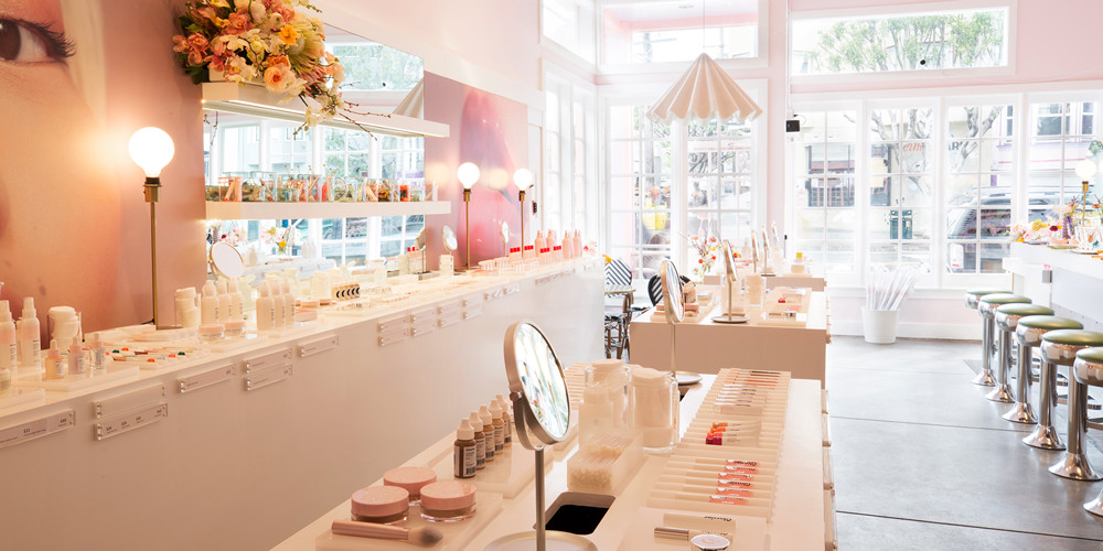 Glossier takes over a restaurant space in San Francisco where customers can experiment with products and new beauty looks. Photo credit: Caycee Clifford for Glossier